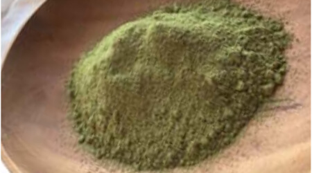 AAA-grade henna powder is very fine as it goes through the meticulous and labor-intensive process of separating sand from the harvested henna leaves.